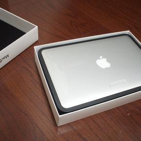 念願のMacBook Air (Mid 2012)を購入